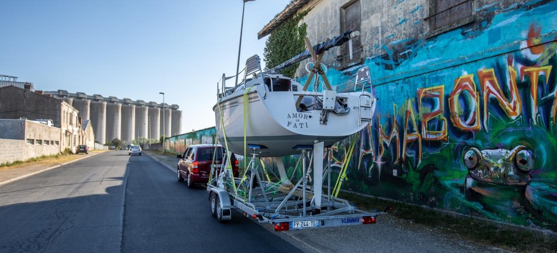 Voyage Amor Fati convoyage remorque Maxus 24 biquille